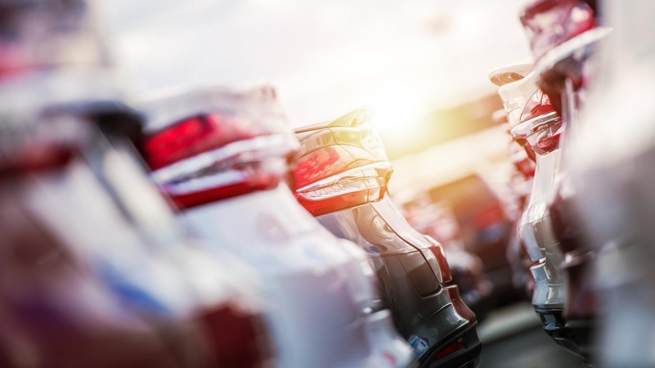Volvo Cars rapporterar stark försäljning andra halvåret, tredubblar produktionen av elbilar i Gent